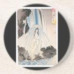 Mujer japonesa en la cascada, arte japonés antiguo posavasos manualidades