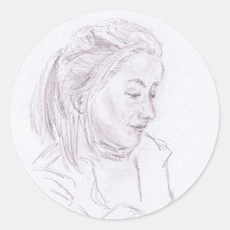 Mujer joven pegatina redonda
