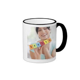 Mujer joven sana, imagen conceptual taza de café