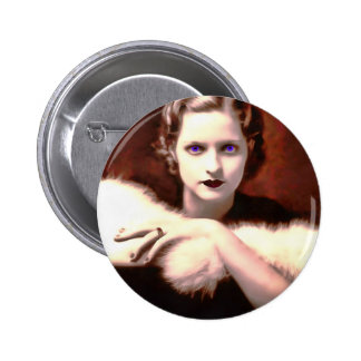Mujer magnífica de los años 20 con los ojos azules pin redondo de 2 pulgadas