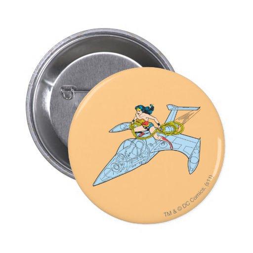 Mujer Maravilla en la nave espacial Pin