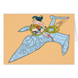 Mujer Maravilla en la nave espacial Tarjeta De Felicitación