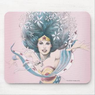 Mujer Maravilla y flores Alfombrilla De Raton