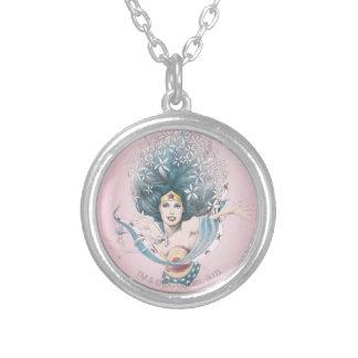 Mujer Maravilla y flores Grimpolas