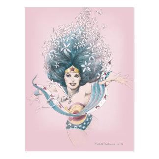 Mujer Maravilla y flores Tarjeta Postal