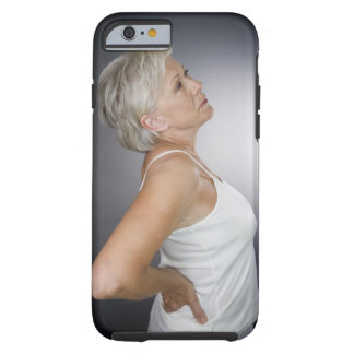 Mujer mayor con dolor de espalda funda de iPhone 6 tough