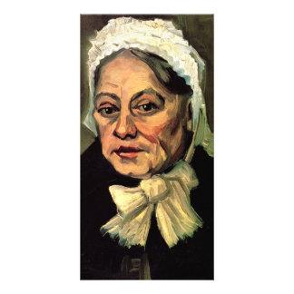Mujer mayor con el casquillo blanco la partera de plantilla para tarjeta de foto