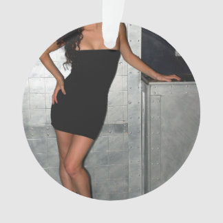 Mujer negra del vestido