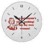 Mujer no simbólica relojes de pared