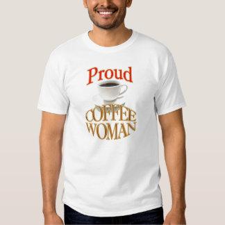 Mujer orgullosa del café remeras