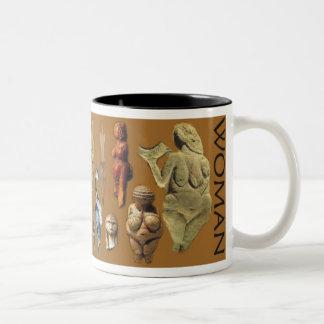Mujer paleolítica taza de dos tonos