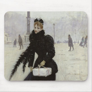 Mujer parisiense en la plaza de la Concordia Mousepads
