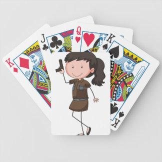 Mujer policía barajas de cartas