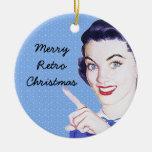 Mujer punteaguda de los años 50 retros ornamento de navidad