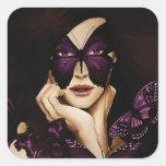 Mujer púrpura de la mariposa pegatina cuadrada