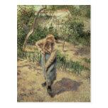 Mujer que cava en una huerta, 1882 postal