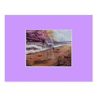 Mujer que lleva de JESÚS en la postal de Zazzle