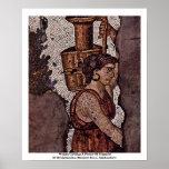 Mujer que lleva una jarra del fragmento impresiones