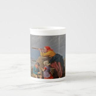 Mujer que mira a través del catalejo tazas de porcelana