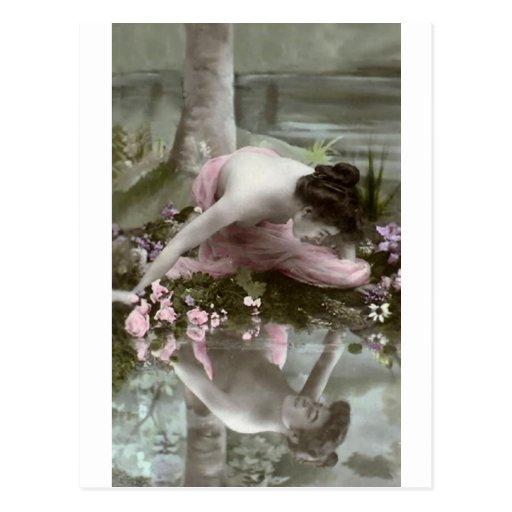 Mujer *Reflecting del vintage de Beauty* Postales