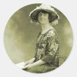 Mujer retra de la foto de la sepia de las mujeres  etiquetas redondas