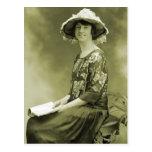 Mujer retra de la foto de la sepia de las mujeres  postal
