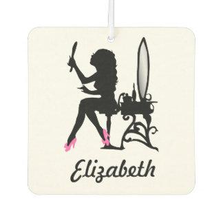 Mujer rosada y negra elegante de la silueta de la