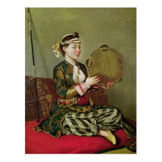Mujer turca con una pandereta postales