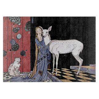 Mujer y ejemplo blanco del cervatillo tabla de cortar
