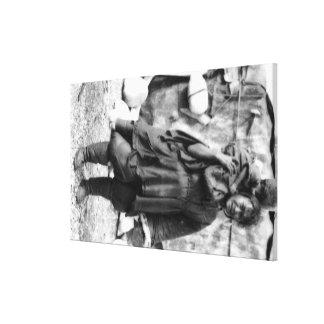 Mujer y niño esquimales en la fotografía de Alaska Impresión En Lienzo Estirada