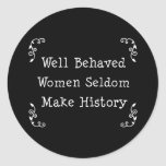 Mujeres bien comportadas pegatinas redondas