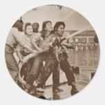 Mujeres bomberos Pearl Harbor 7 de diciembre Pegatina Redonda