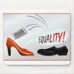 Mujeres contra hombres y la revocación del papel alfombrilla de ratón