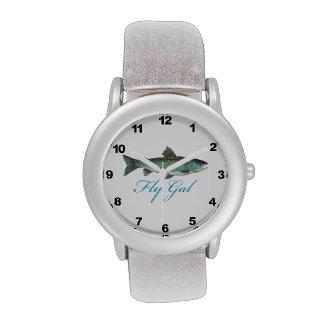 Mujeres de la pesca con mosca reloj