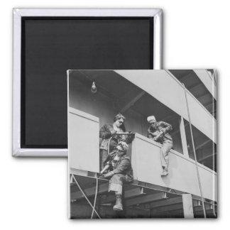 Mujeres de la Segunda Guerra Mundial que saltan la Iman