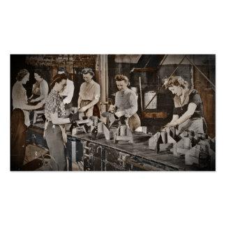 Mujeres de WWII en planta de fabricación Tarjetas De Visita