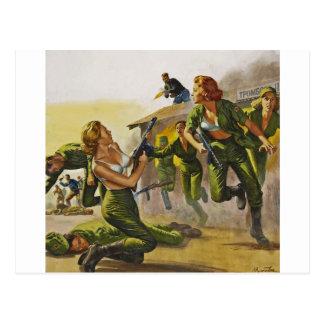Mujeres del combate que luchan en sus sujetadores postal
