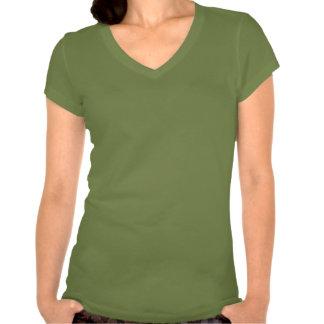 Mujeres del primero de mayo con cuello de pico tee shirt