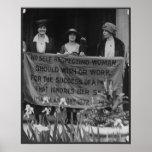 Mujeres del sufragio que protestan para que la su  posters