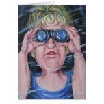 Mujeres divertidas con los prismáticos tarjeta de felicitación