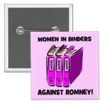mujeres en carpetas contra Romney Pin