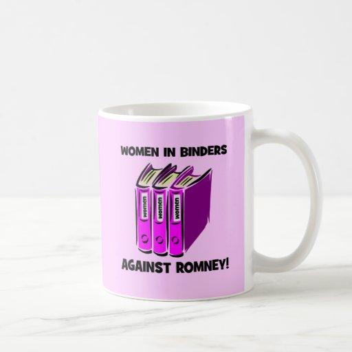 mujeres en carpetas contra Romney Taza De Café