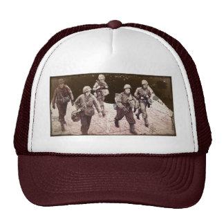 Mujeres en el engranaje WWII del combate Gorro De Camionero
