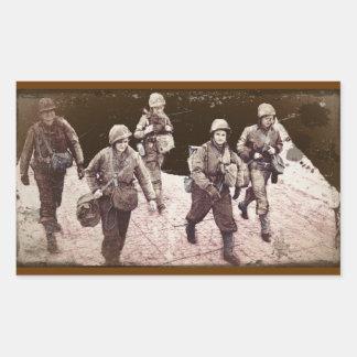 Mujeres en el engranaje WWII del combate Pegatina Rectangular