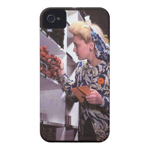 Mujeres en el lugar de trabajo durante WWII Case-Mate iPhone 4 Cárcasa