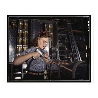 Mujeres en el lugar de trabajo durante WWII Tarjeta Postal