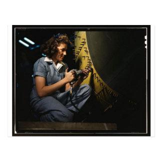 Mujeres en el lugar de trabajo durante WWII Tarjetas Postales
