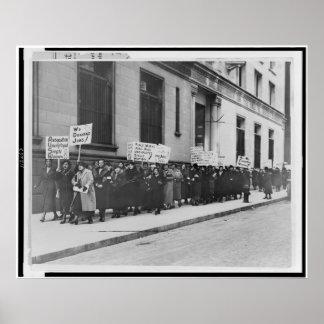 Mujeres en la marcha del lugar de trabajo póster