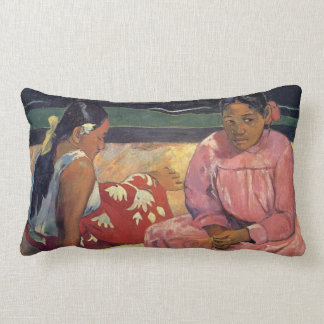 Mujeres en la playa - almohada de Tahitian de Paul
