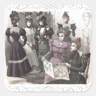 Mujeres hermosas del Victorian en vestidos largos Colcomania Cuadrada